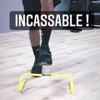 #INCASSABLE  Nos mini haies d'entraînement sont conçues pour plier mais ne pas casser !   Parce qu'on sait comment ça se passe sur  le terrain ...  Une exclu @4trainer_officiel 💪  #pliometrie #haies #preparationphysique #entrainement #solide
