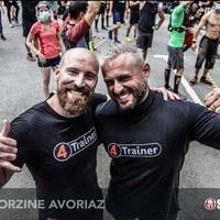 Voilà les coupables 💪🔥💦 !   Près de 3500 personnes sont passées entre leurs mains avant de s'élancer dans la course !   Et autant dire qu'ils étaient tous chauds avant de partir 🔥🔥🔥  Félicitations aux ambassadeurs #4Trainer Julien Volland et Sébastien Offner ont pris en charge la zone d'échauffement de la Spartan Race de Morzine !   @spartanracefrance x @4trainer_officiel   👑 @julien_volland  👑 @offners   📷 @spartan   #spartanrace #spartan #4trainer #warmup #echauffement #preparationphysique #Morzine2021